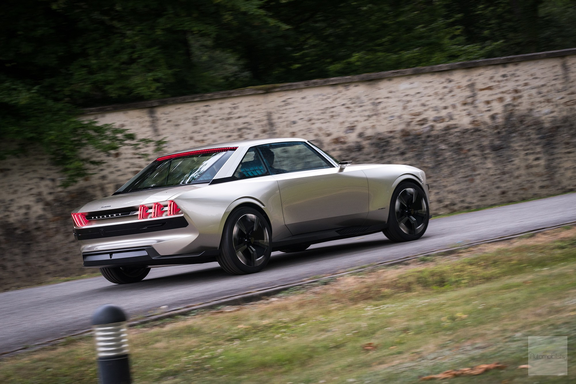 Peugeot P18 Paris Motor Show 2018 E Legend Concept Car concept roulant face arriere