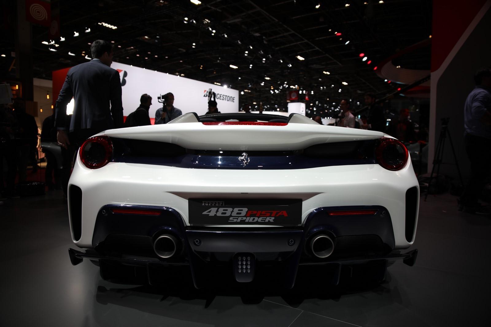 Mondial Paris 2018 Ferrari 488 Pista 3