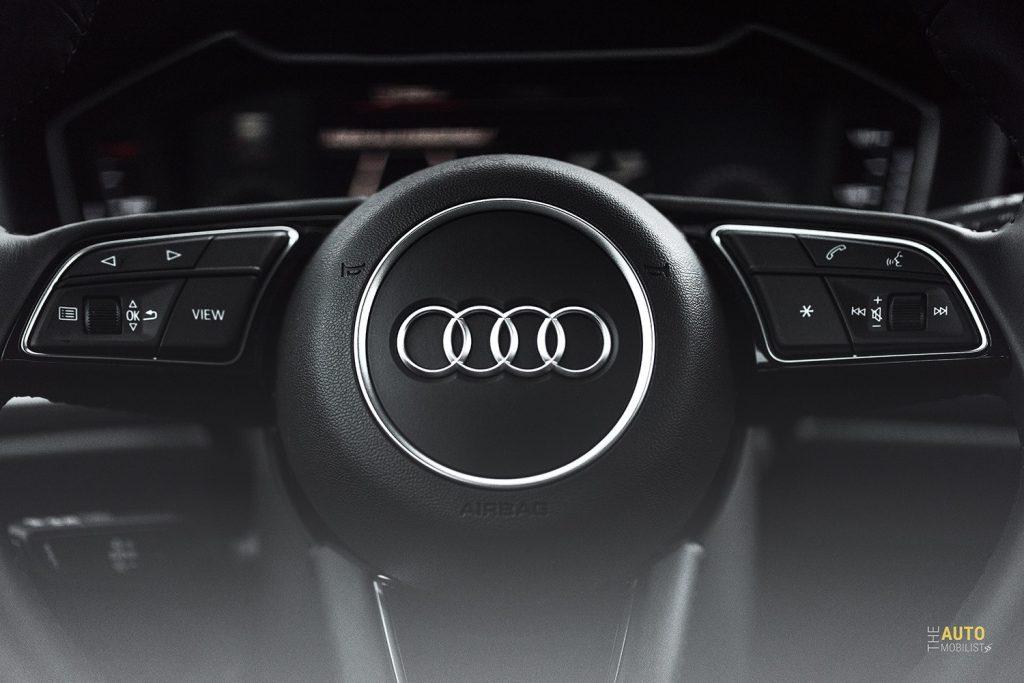 Essai Audi A1 30 TFSI S Line commandes au volant 1
