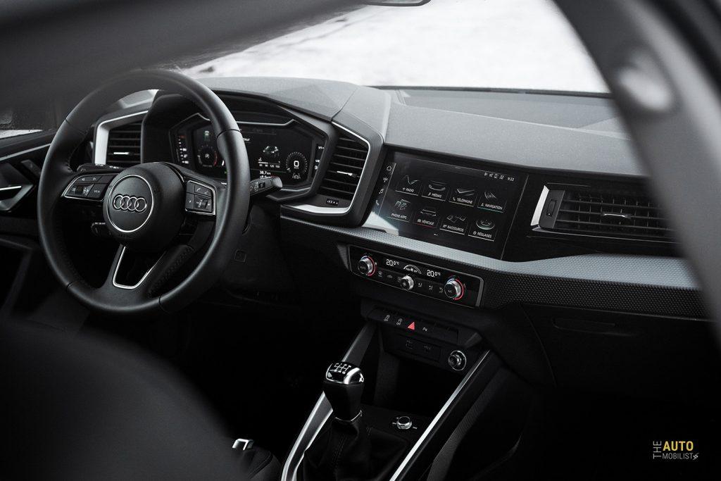 Essai Audi A1 30 TFSI S Line tableau de bord