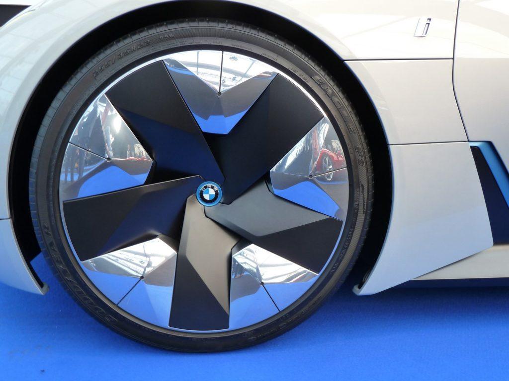 FAI 2019 BMW i Vision Dynamics LNA FB 10