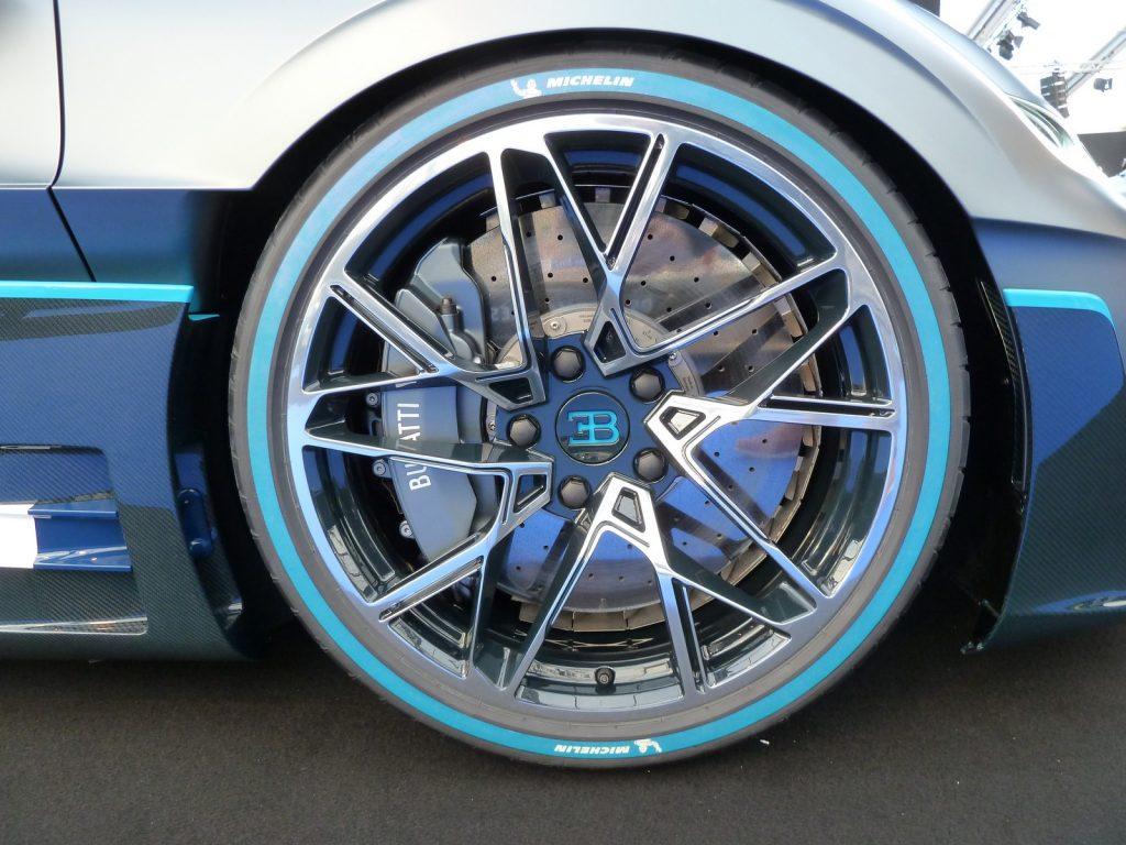 FAI 2019 Bugatti Divo LNA FB 3
