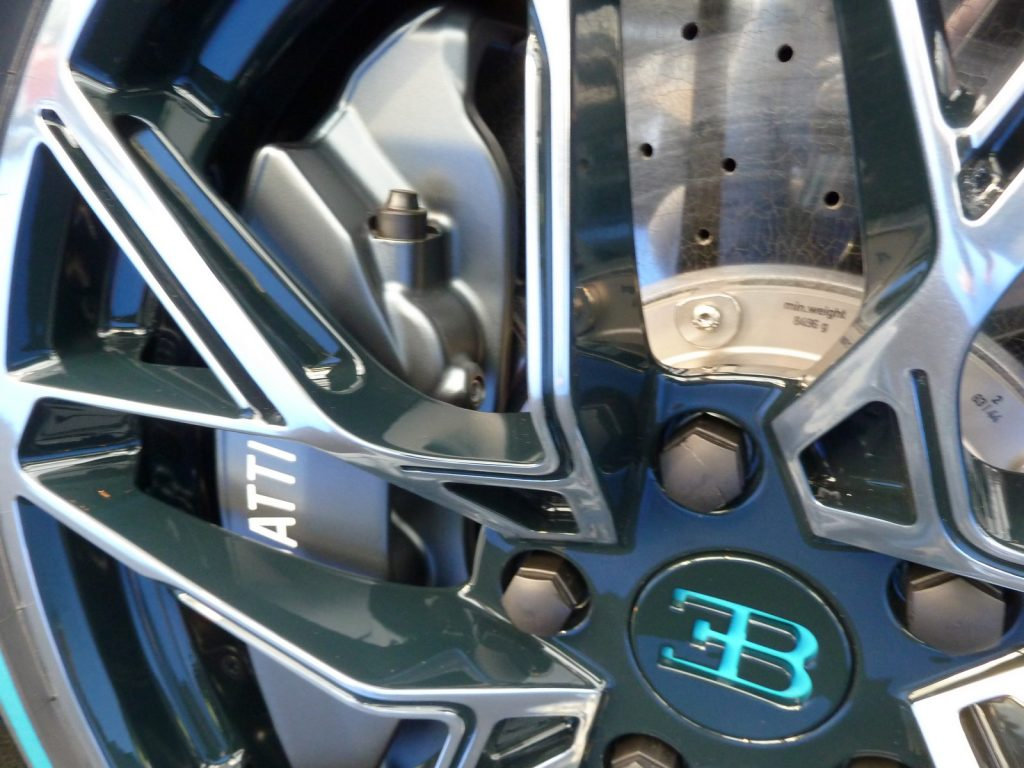 FAI 2019 Bugatti Divo LNA FB 5