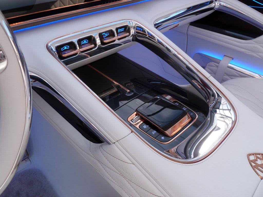 FAI 2019 Mercedes Maybach Ultimate Luxury LNA FB 4