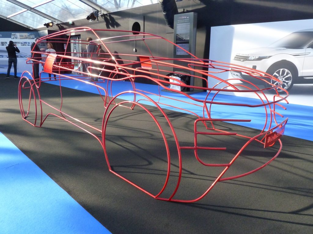 FAI 2019 Range Rover Evoque Sculpture LNA FB 3