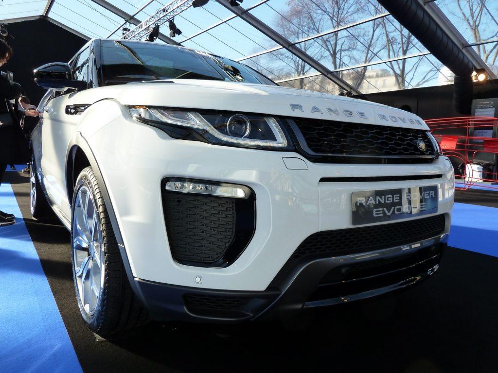 FAI 2019 Range Rover Evoque mk1 LNA FB 1