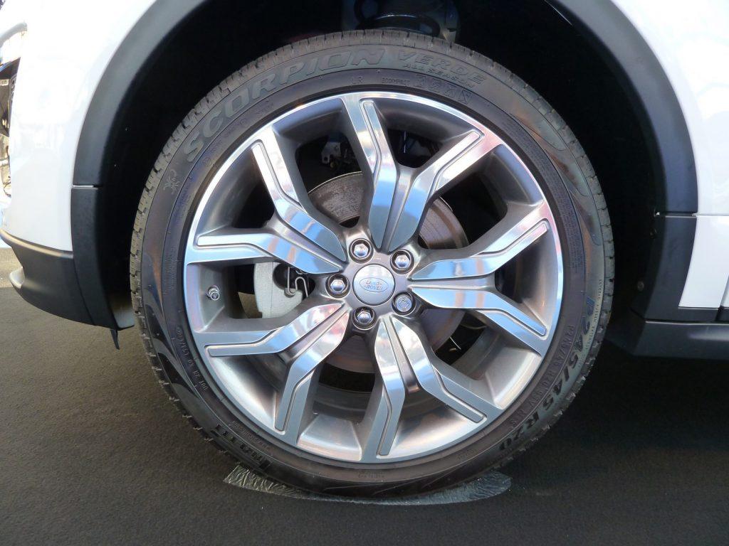 FAI 2019 Range Rover Evoque mk1 LNA FB 9