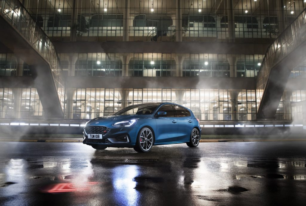 Ford Focus ST 2019 02