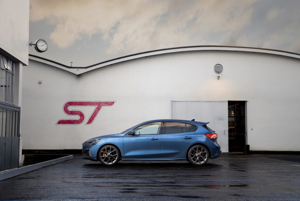 Ford Focus ST 2019 04