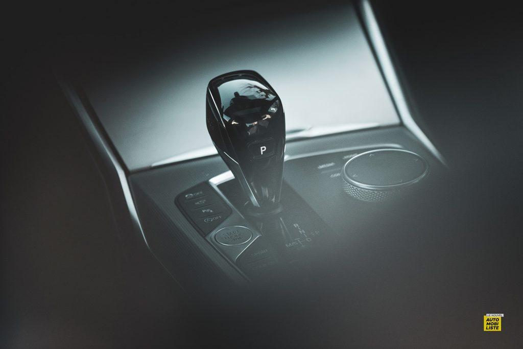 Essai bmw serie 3 320d MSport Luxury BVA8 detail levier de vitesse