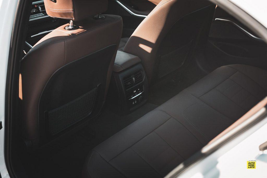 Essai bmw serie 3 320d MSport Luxury BVA8 detail places arrieres 2