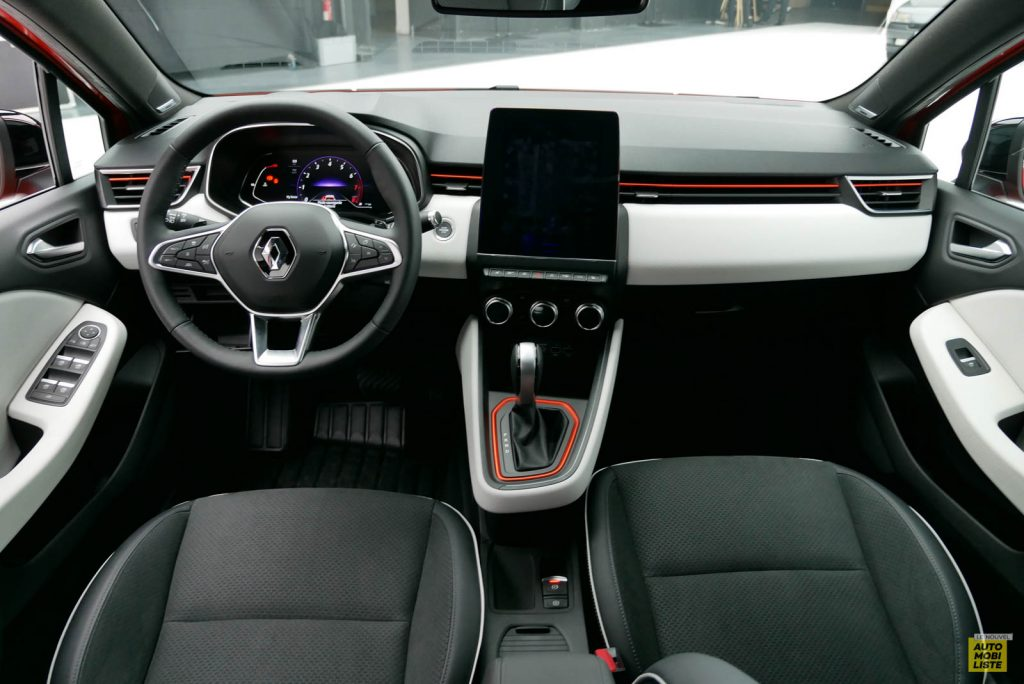 LNA 2019 Renault Clio V Intens Interieur 06