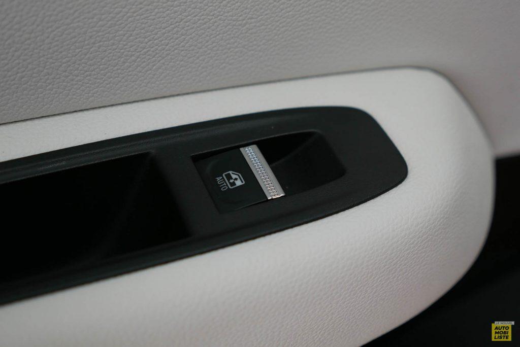 LNA 2019 Renault Clio V Intens Interieur Details 02
