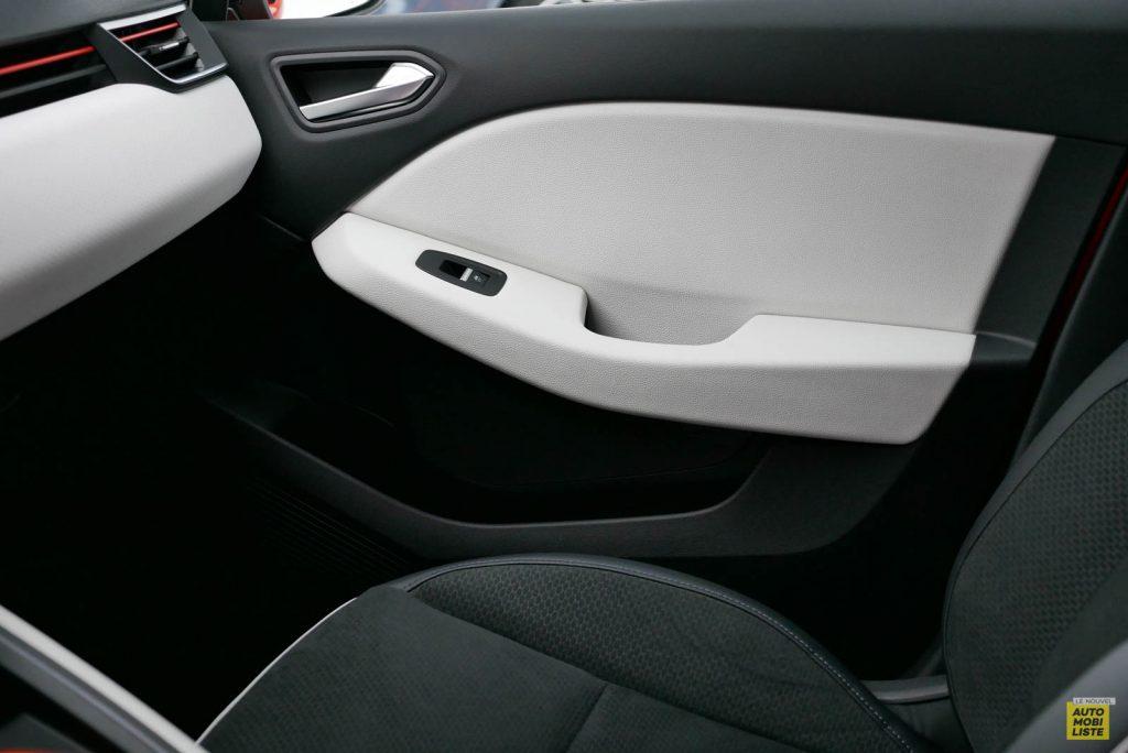 LNA 2019 Renault Clio V Intens Interieur Details 09