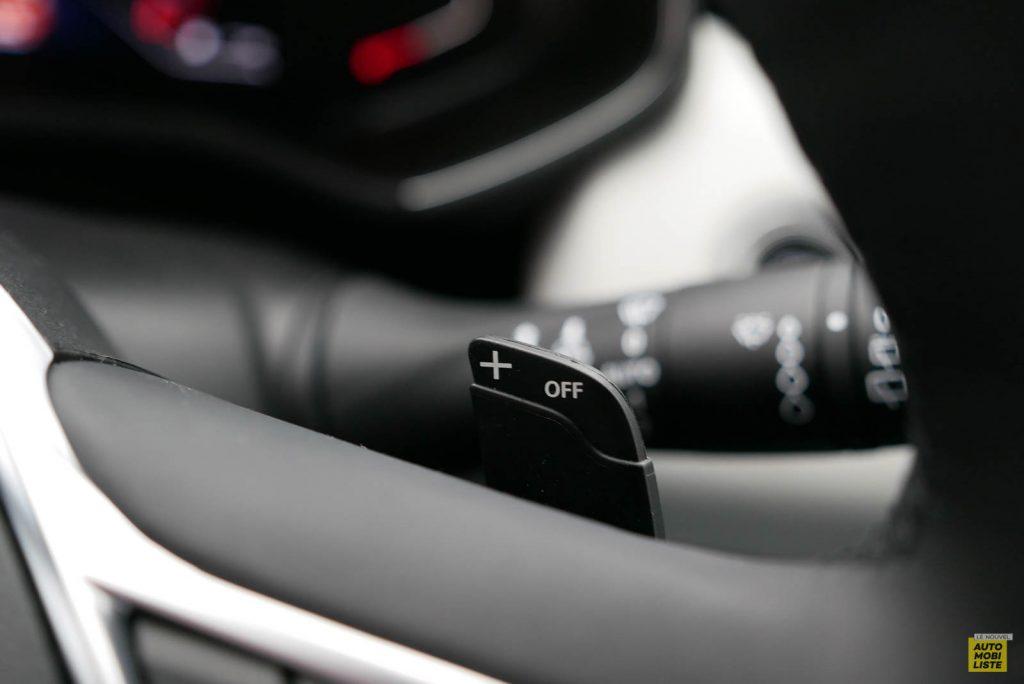 LNA 2019 Renault Clio V Intens Interieur Details 28