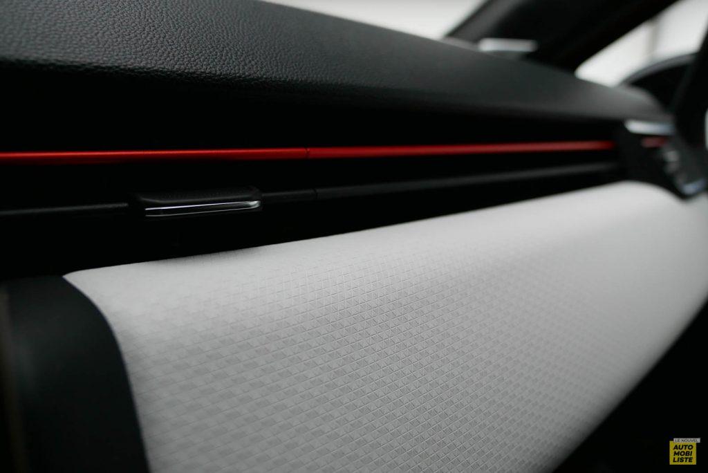 LNA 2019 Renault Clio V Intens Interieur Details 31