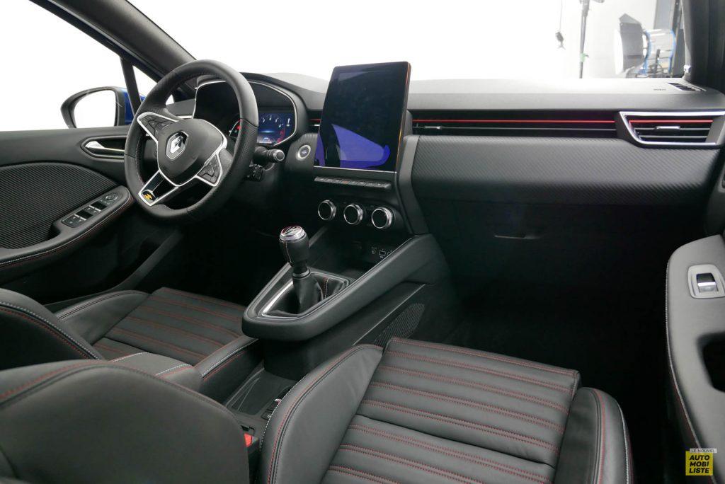 LNA 2019 Renault Clio V RS Line Interieur 02