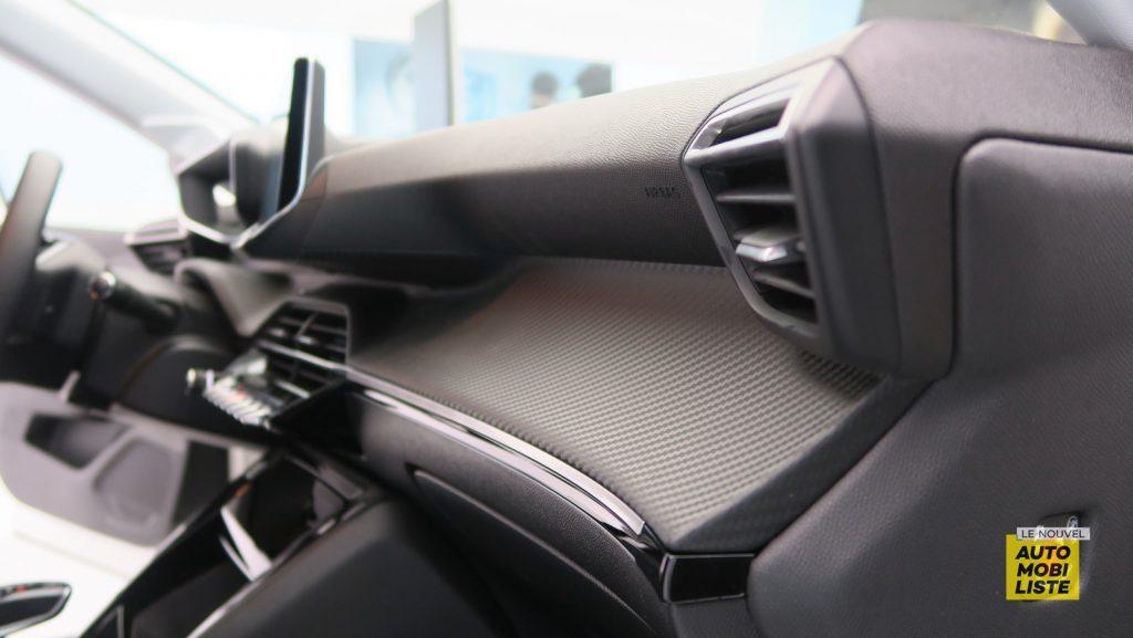 Peugeot 208 Geneve 2019 LNA FM 29