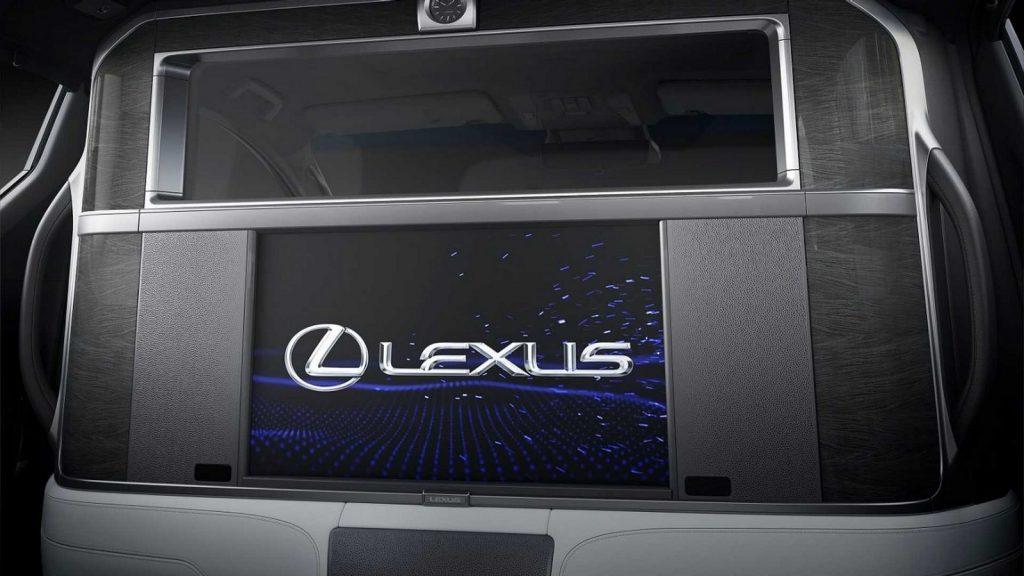 Lexus LM LNA