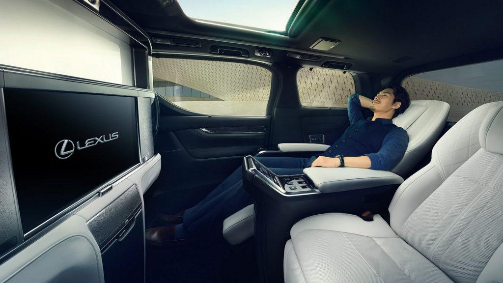 Lexus LM LNA 03