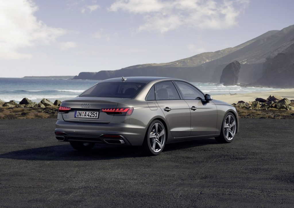 Audi A4 2019 16