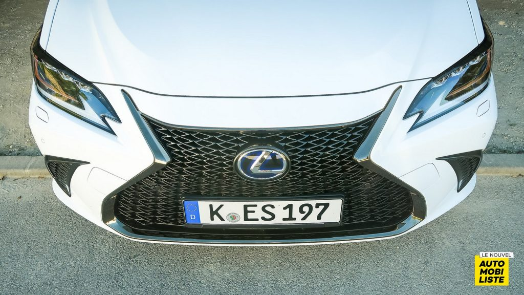 Essai Lexus ES 300h
