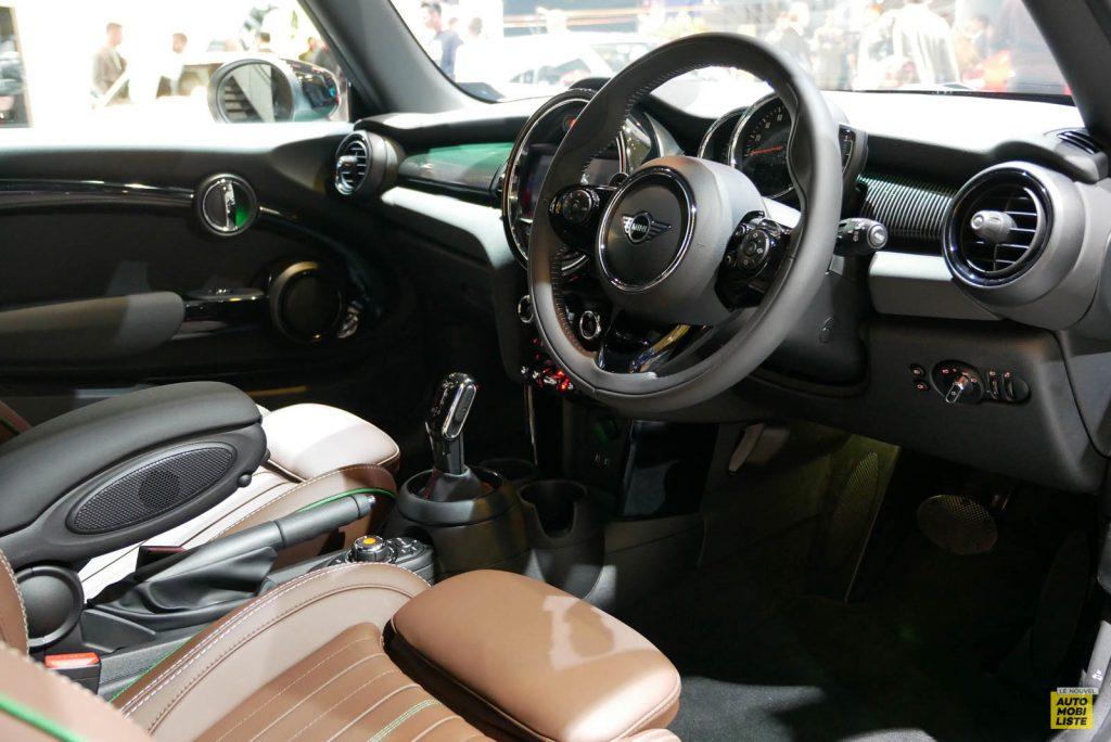 LNA 1909 IAA Mini Hatch 60 06