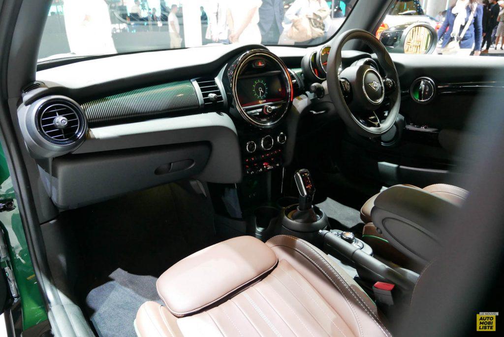 LNA 1909 IAA Mini Hatch 60 07