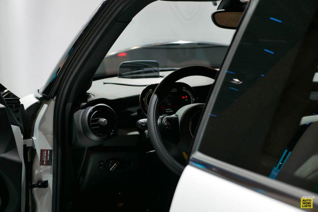LNA 1909 IAA Mini Hatch Cooper SE 11