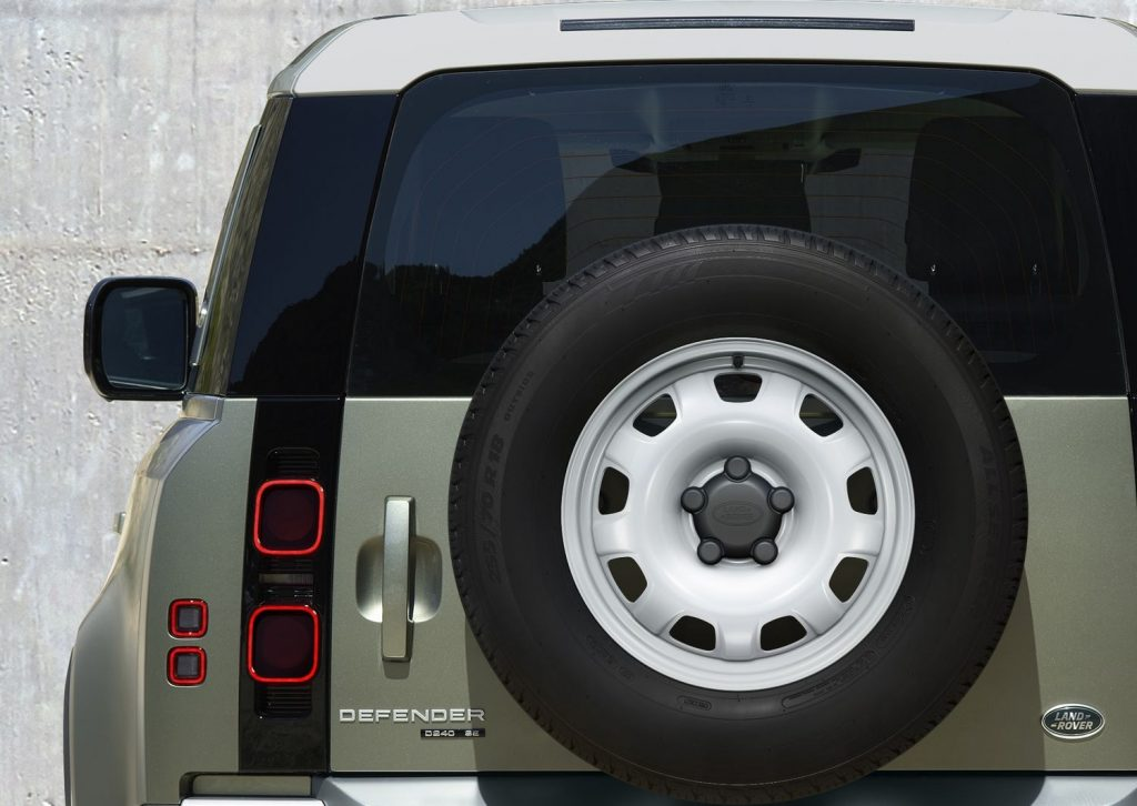 Nouveau Land Rover Defender 2019 LNA 602178
