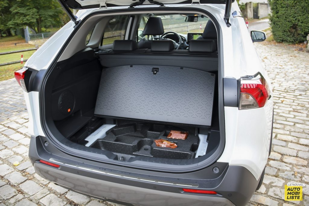 Essai Toyota Rav4 2WD i Lounge 111