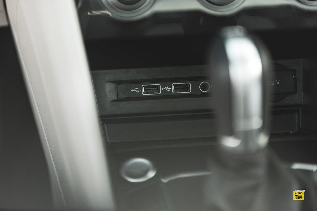 Essai VW Tiguan 1.5 TSI 150 DSG 7 EVO connectivite prise usb