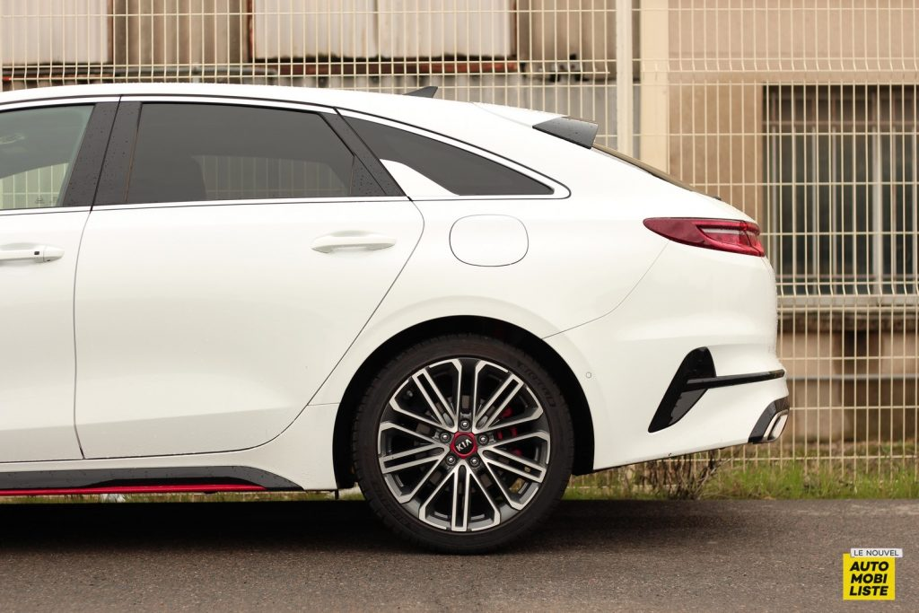 Kia Proceed LNA Dumoulin (8)