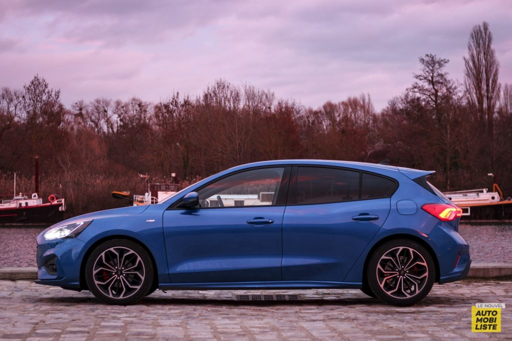 Ford Focus St Line_13