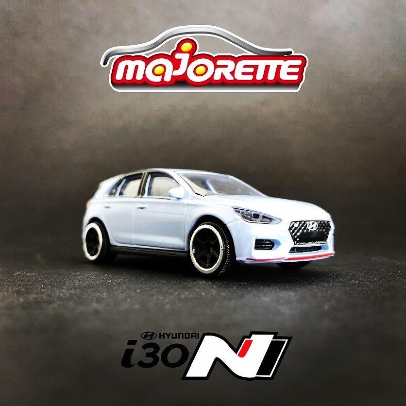 LNA Majorette 02