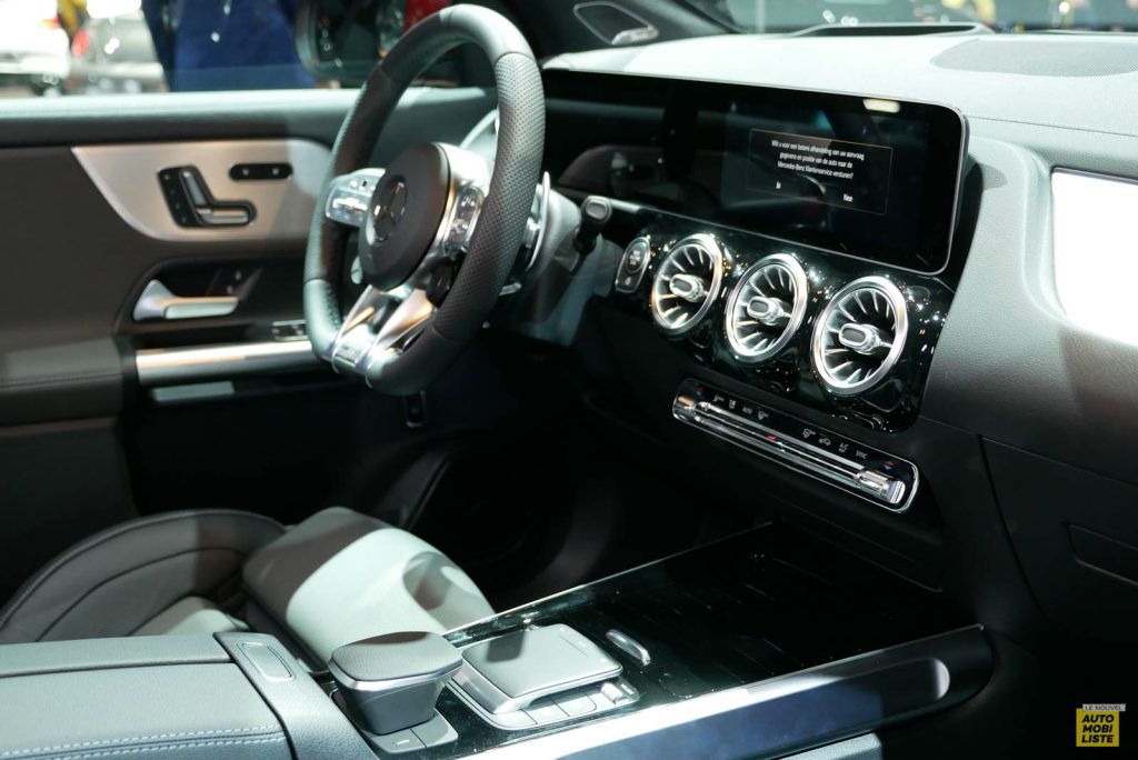 Mercedes-Benz GLA II (2019) 63