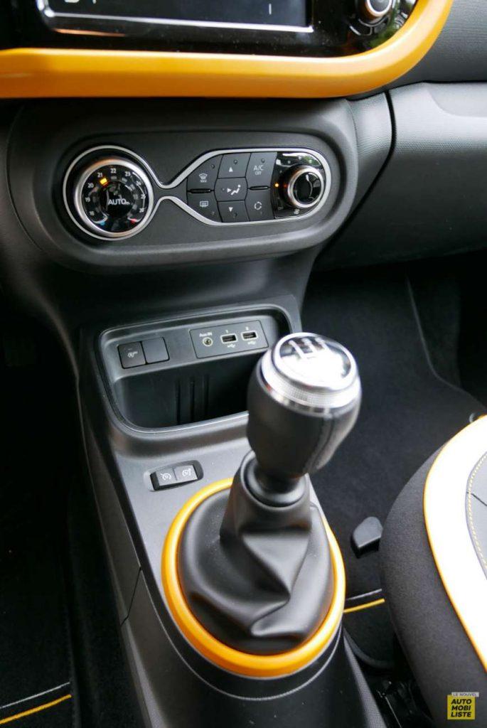 LNA Essai 2019 Renault Twingo 3.2 1.0 SCe Intens Interieur Detail 01