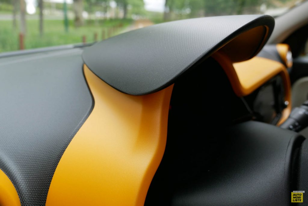 LNA Essai 2019 Renault Twingo 3.2 1.0 SCe Intens Interieur Detail 05
