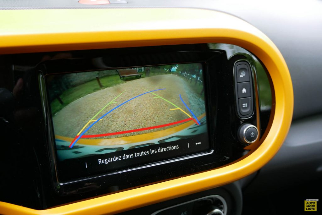 LNA Essai 2019 Renault Twingo 3.2 1.0 SCe Intens Interieur Detail 07