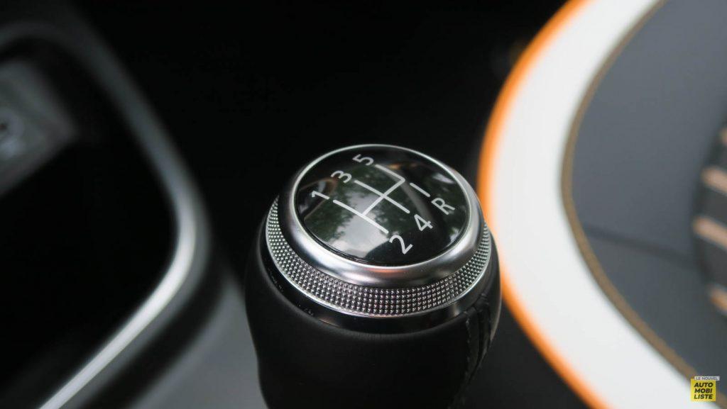 LNA Essai 2019 Renault Twingo 3.2 1.0 SCe Intens Interieur Detail 14