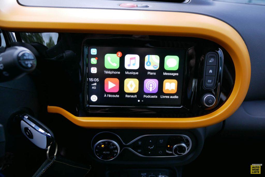 LNA Essai 2019 Renault Twingo 3.2 1.0 SCe Intens Planche de Bord 03