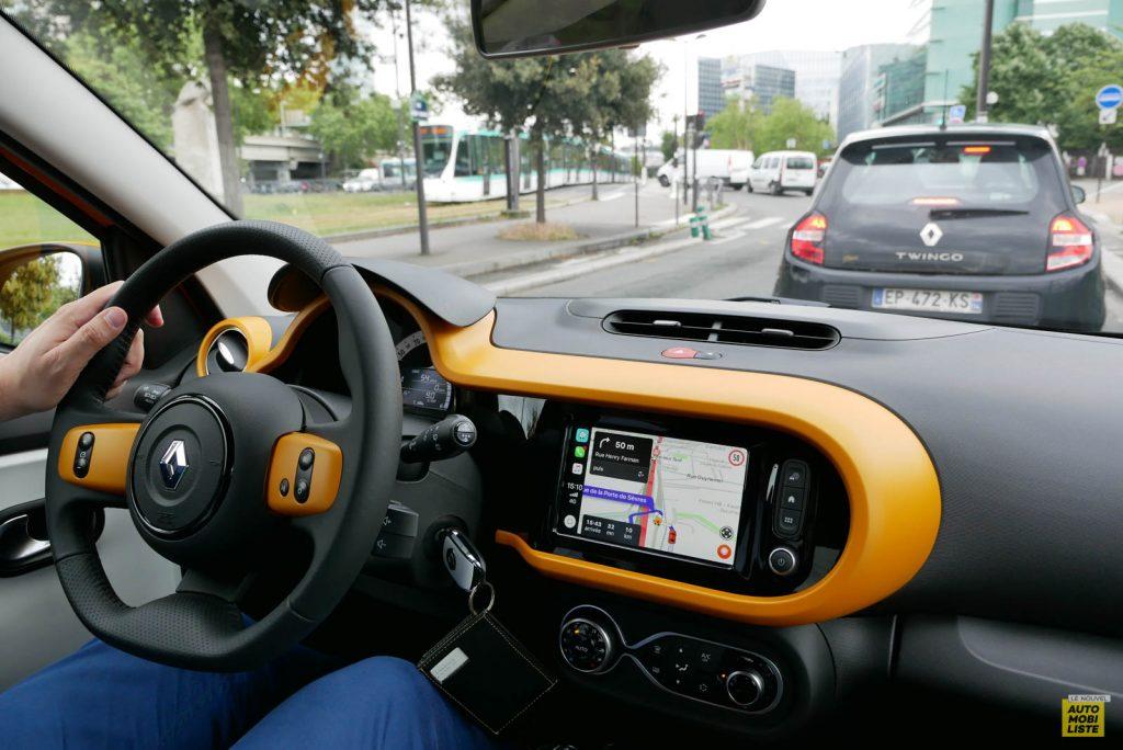 LNA Essai 2019 Renault Twingo 3.2 1.0 SCe Intens Planche de Bord 05