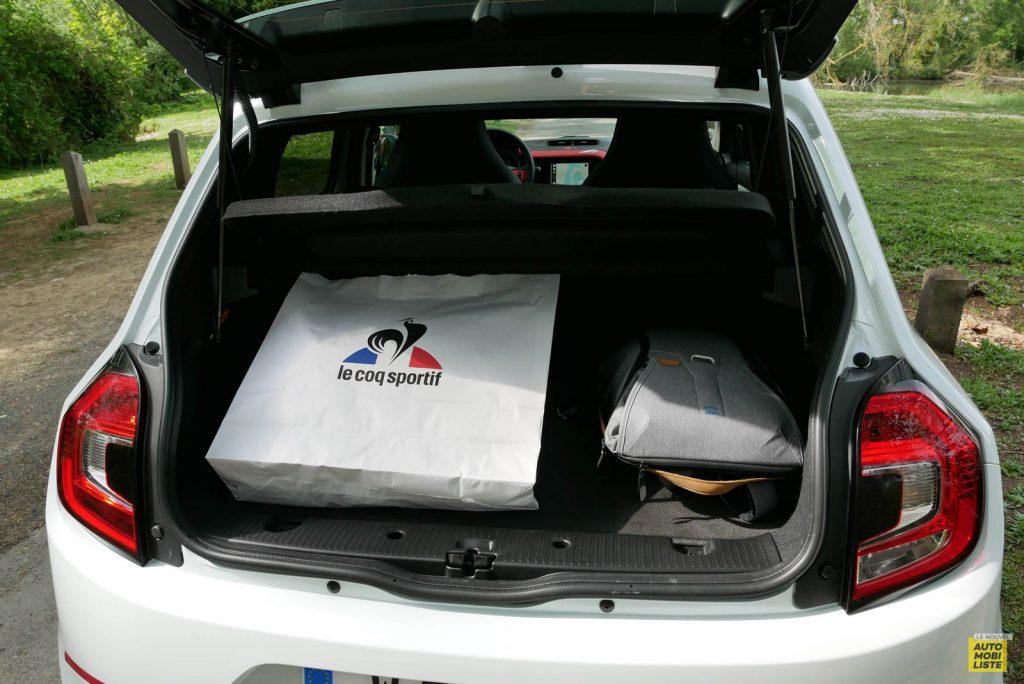 LNA Essai 2019 Renault Twingo 3.2 Le Coq Sportif Interieur Coffre 01