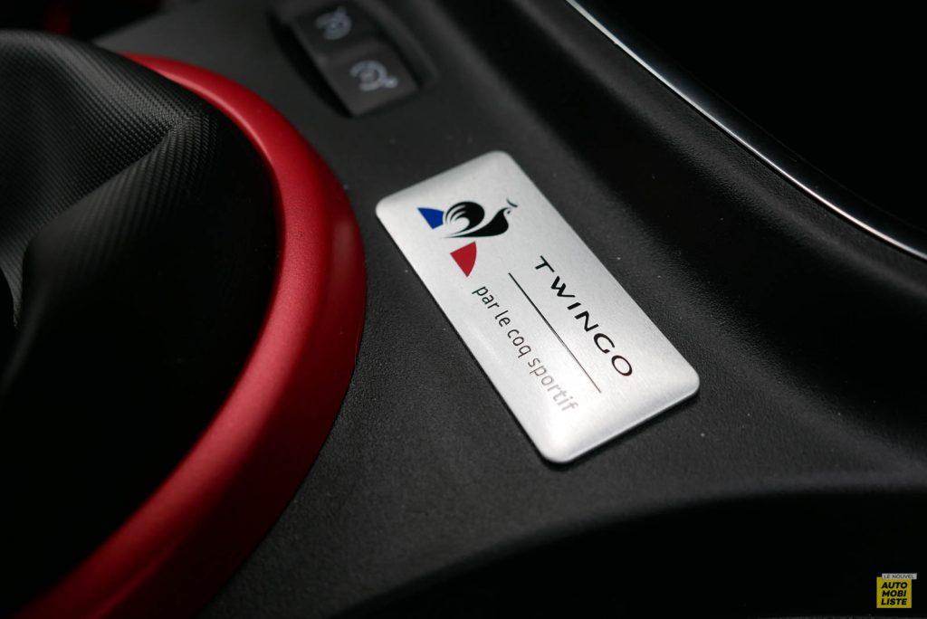 LNA Essai 2019 Renault Twingo 3.2 Le Coq Sportif Interieur Detail 02