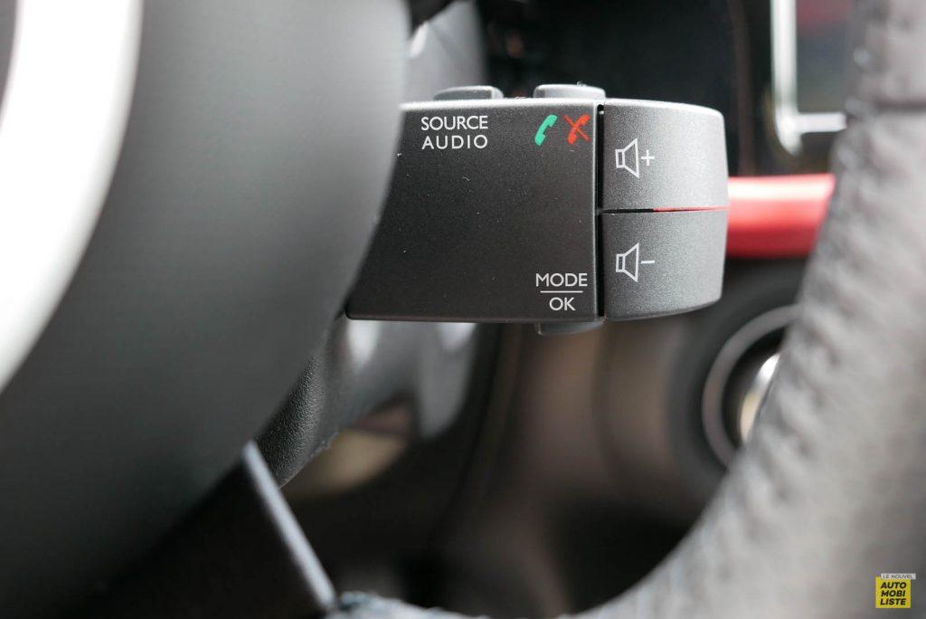 LNA Essai 2019 Renault Twingo 3.2 Le Coq Sportif Interieur Detail 09