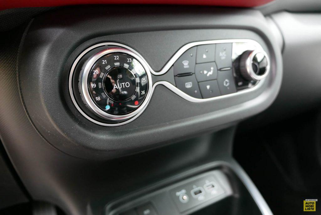 LNA Essai 2019 Renault Twingo 3.2 Le Coq Sportif Interieur Detail 12