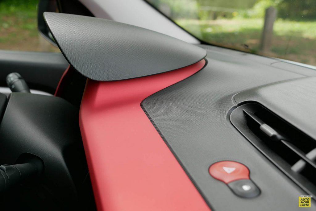 LNA Essai 2019 Renault Twingo 3.2 Le Coq Sportif Interieur Detail 14