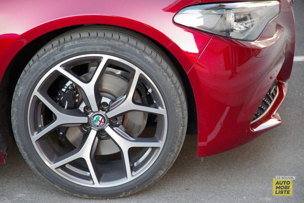 Alfa Romeo Giulia TI 2.2 190 AT8 rouge LNA FM 58