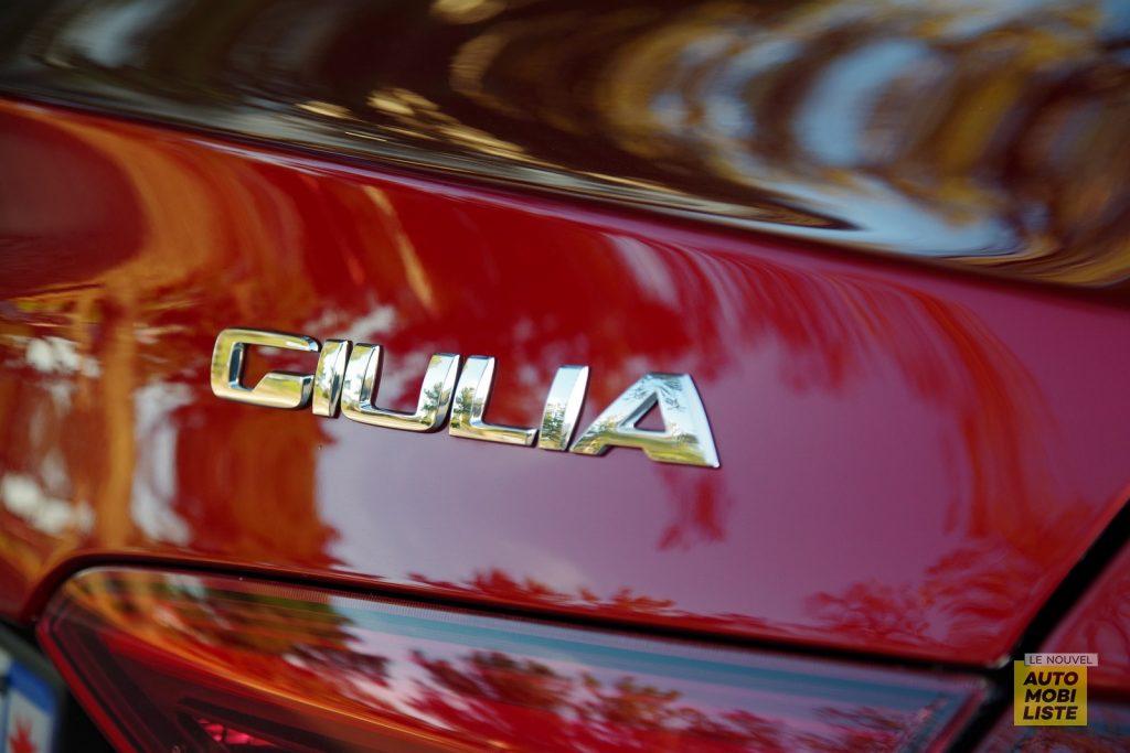 Alfa Romeo Giulia TI 2.2 190 AT8 rouge LNA FM 61