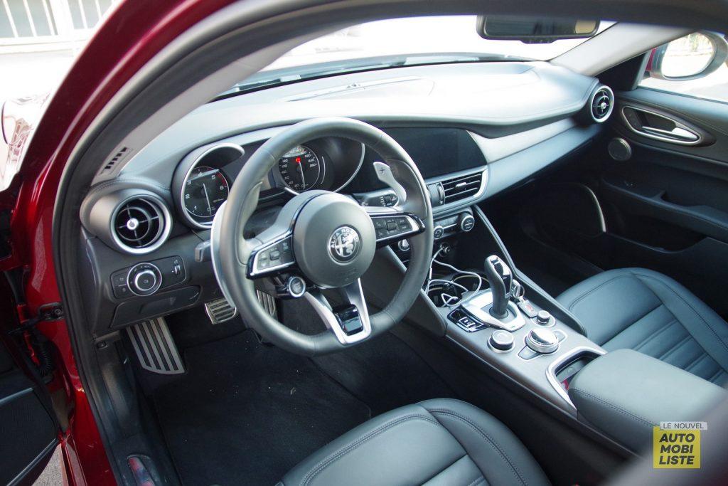 Alfa Romeo Giulia TI 2.2 190 AT8 rouge LNA FM 65